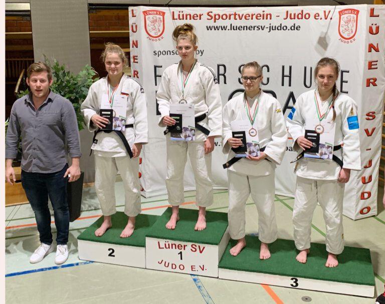 Leonie Beyersdorf für U21 DM qualifiziert