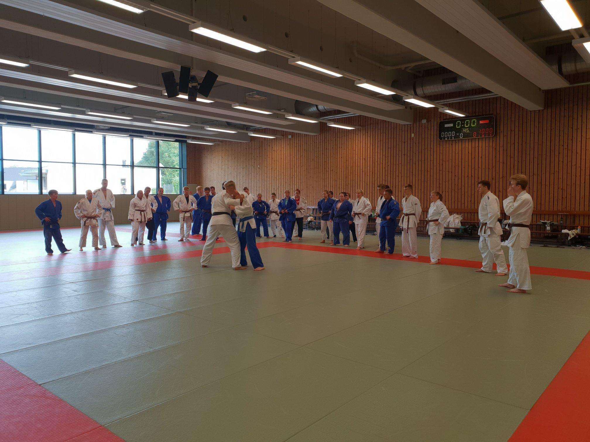 Read more about the article Simeon erfolgreich bei Trainer C-Ausbildung
